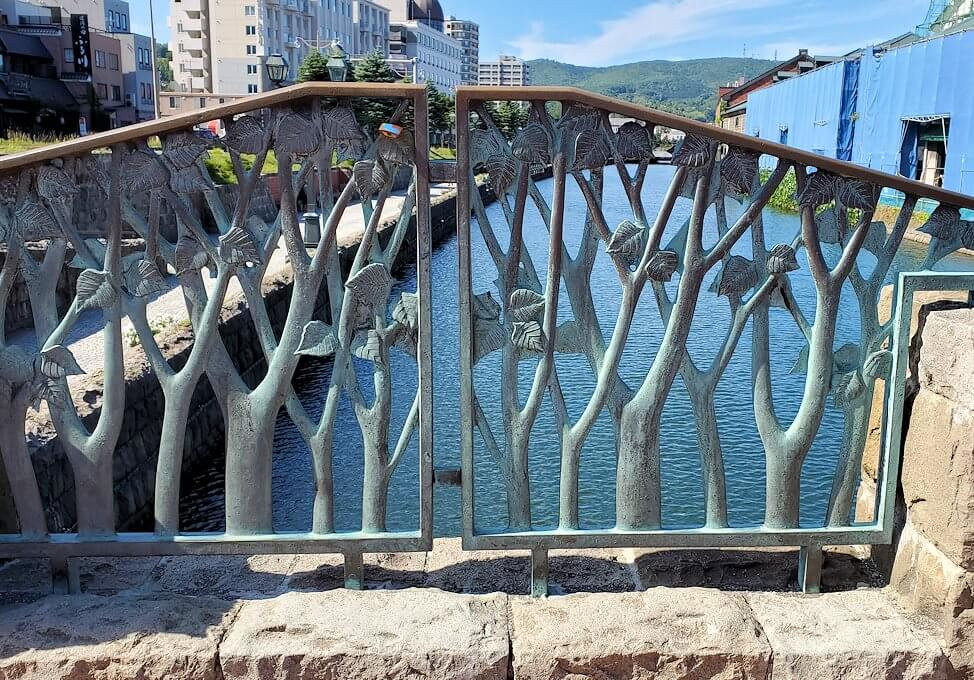 小樽運河が一望できる場所の柵