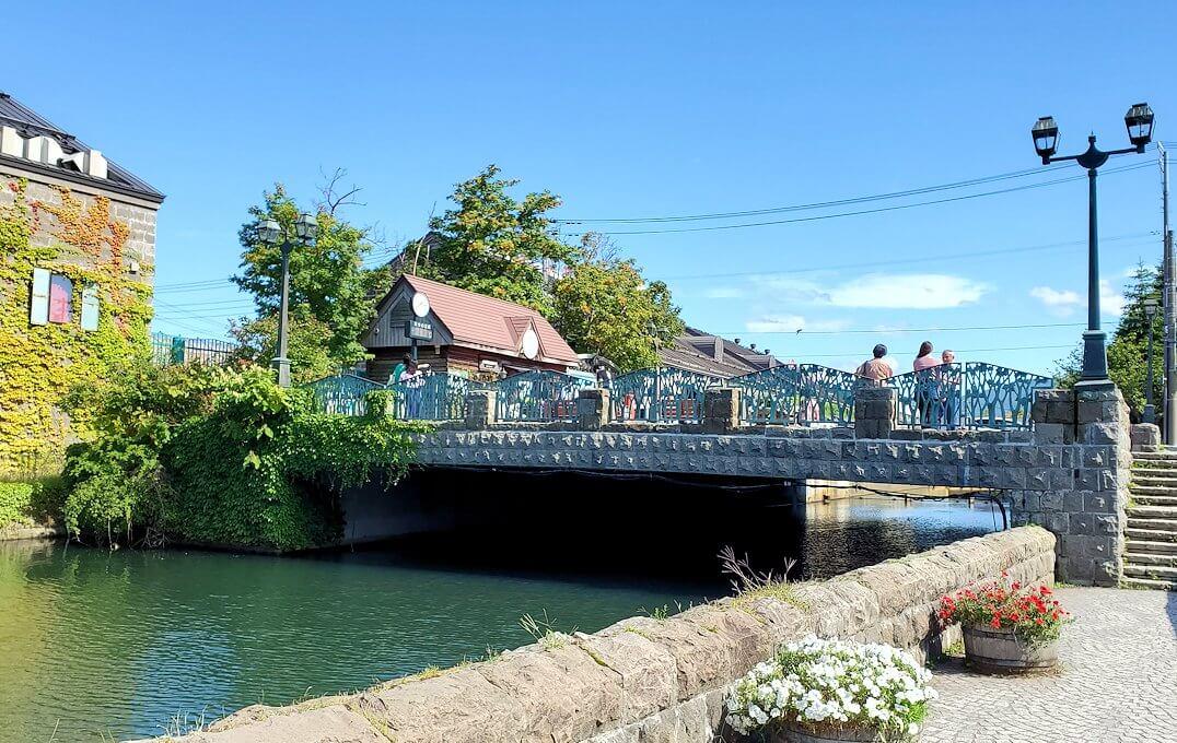 小樽運河が一望できる場所の橋
