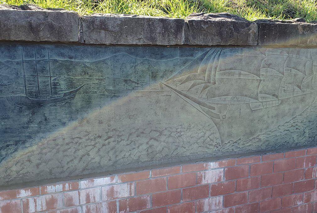 小樽運河沿いの壁にあったレリーフ1