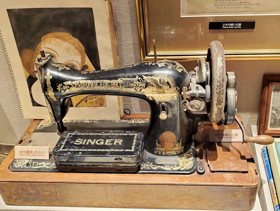 ウイスキー博物館内にある、竹鶴夫妻愛用の品4