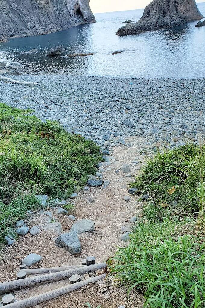 積丹半島の北端にある「島武意海岸」下の景色