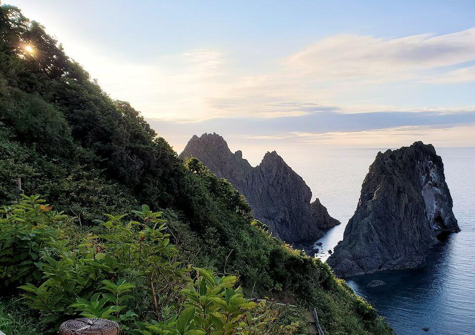 夕暮れ時の「島武意海岸」の景色1