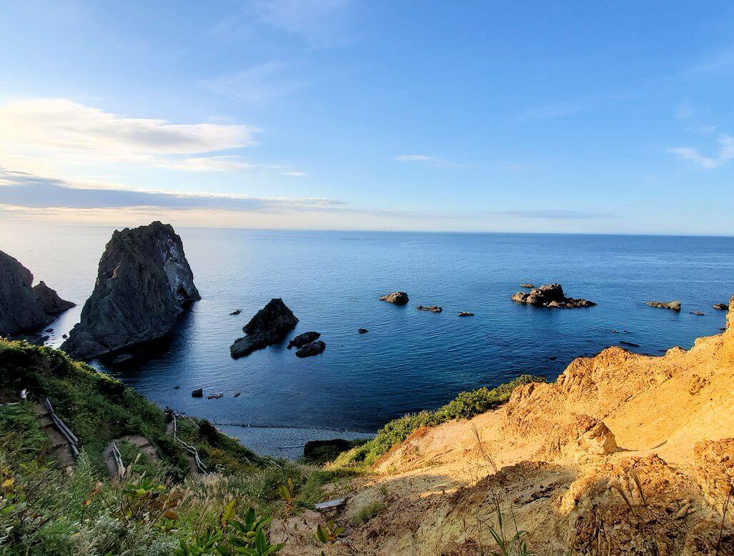 夕暮れ時の「島武意海岸」の景色2