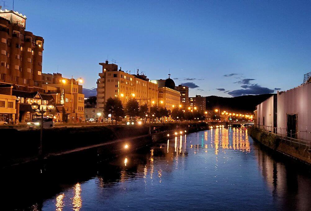 夜の小樽の街の景色1