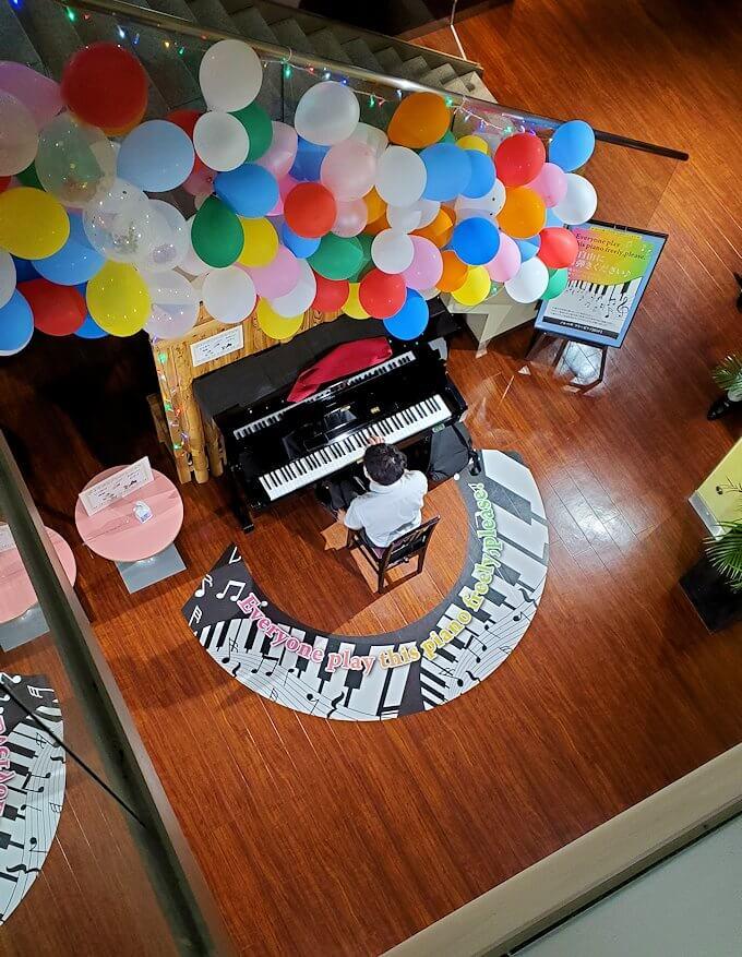 札幌市内にあるノルベサという商業施設に展示されていたピアノ