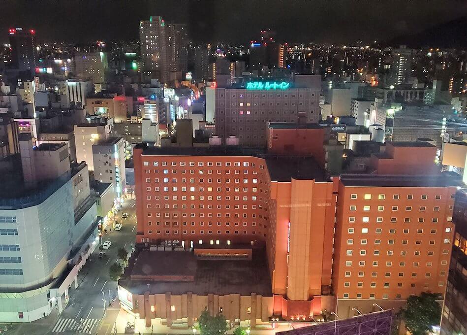 札幌市内にあるノルベサという商業施設にある観覧車に乗り込で見える景色4