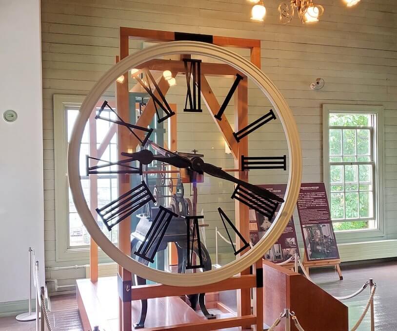 札幌時計台で使われていた時計の針1