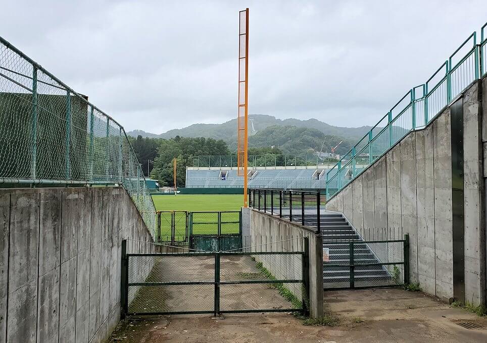 円山公園の奥にある、円山球場