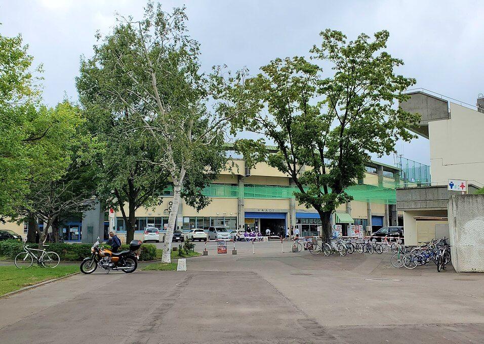 円山公園の奥にある、円山球場2