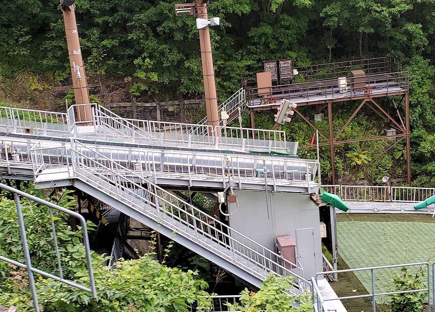 大倉山ジャンプ競技場の頂上から降りる景色1