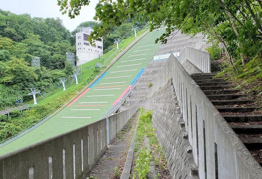 大倉山ジャンプ台の脇に造られている観覧席