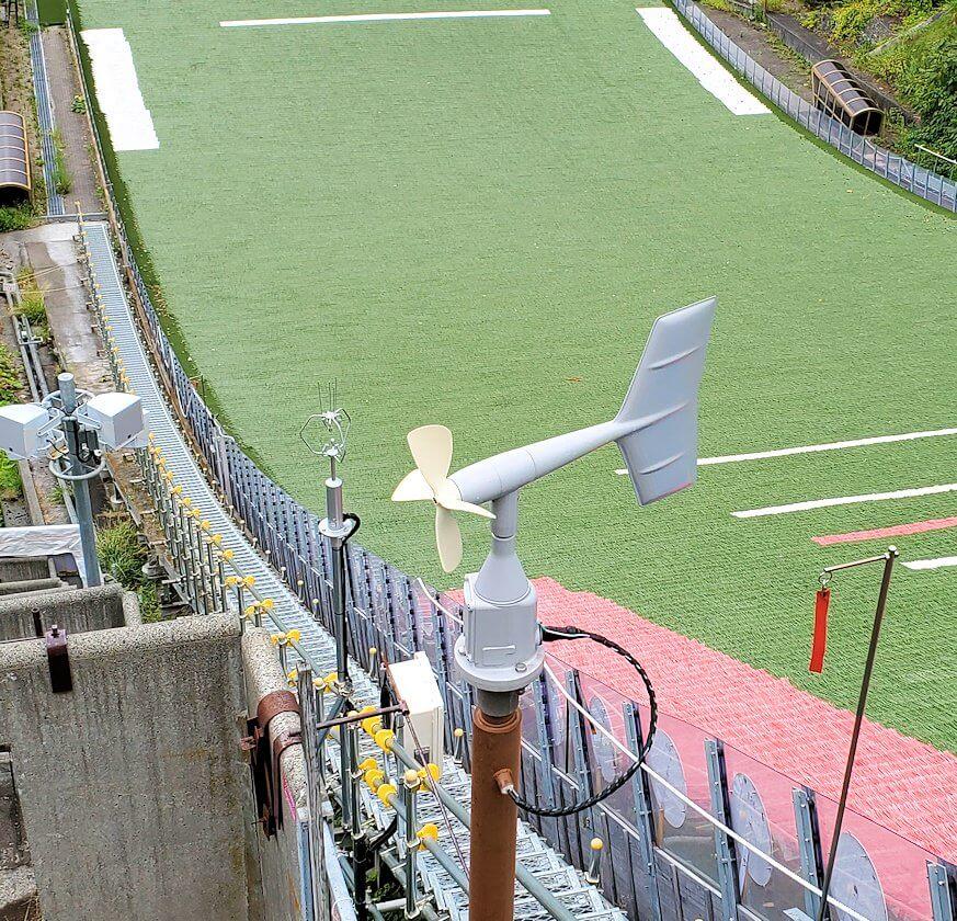大倉山ジャンプ台脇にある風時計