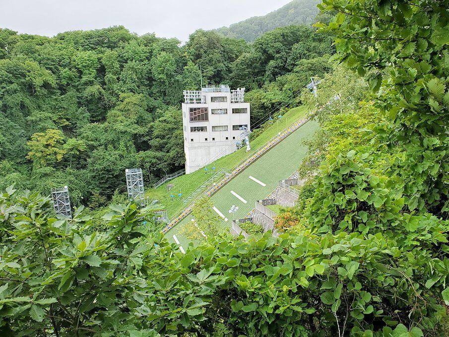大倉山ジャンプ台を登る途中の展望台からの景色1