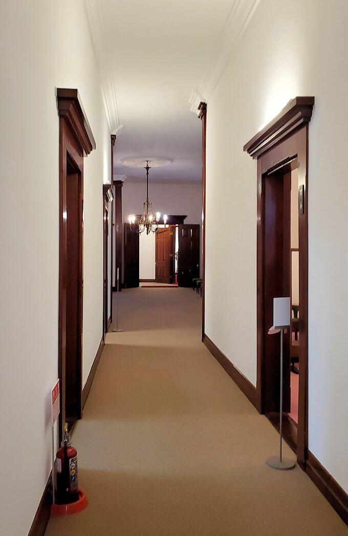 豊平館の1階廊下