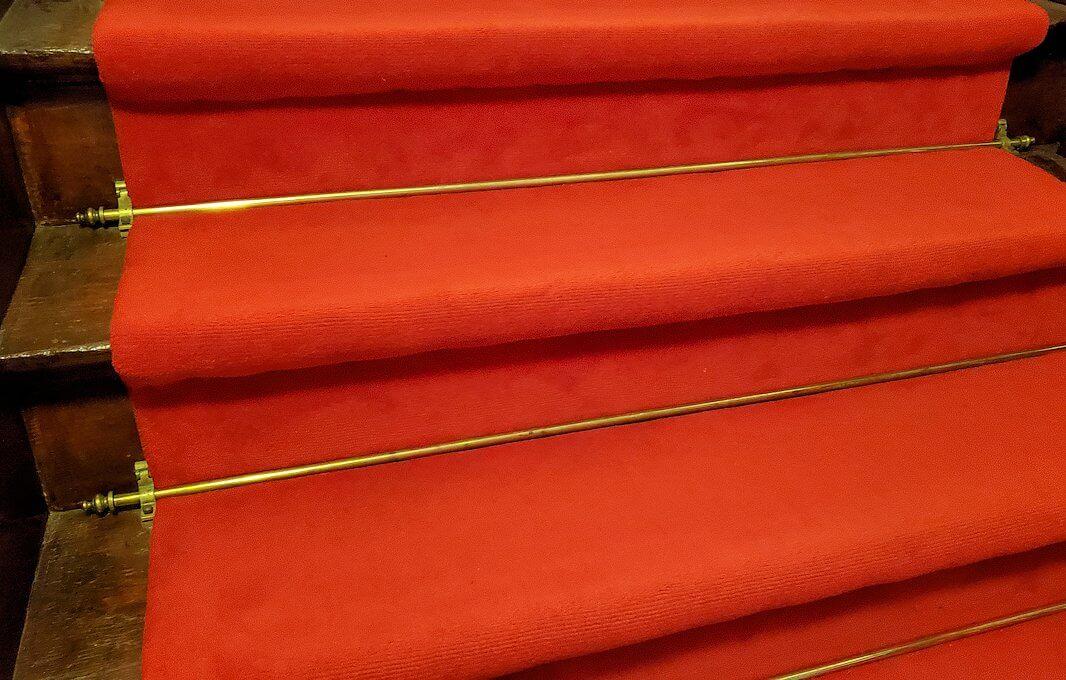 豊平館で2階へと登る階段1