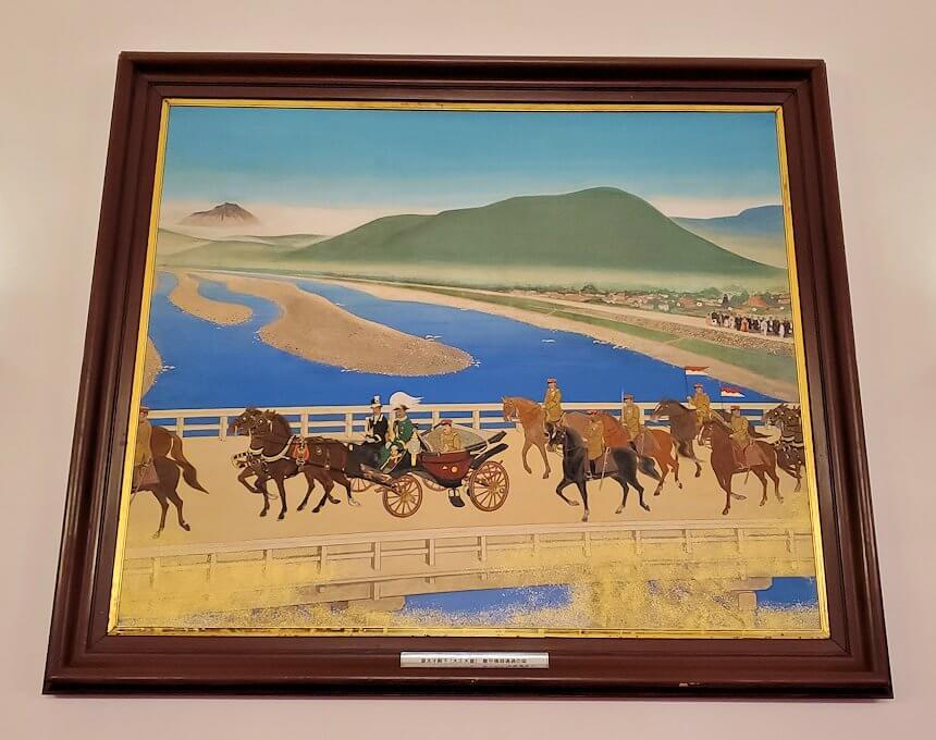 豊平館の広間に飾られている絵
