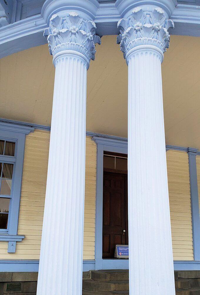 豊平館の柱