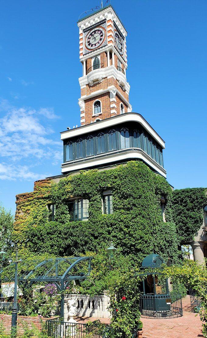 「白い恋人パーク」敷地の時計塔