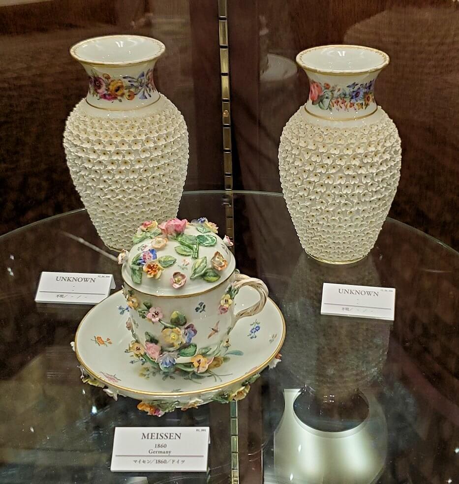【チョコトピアハウス】博物館に展示されている、レトロな器9
