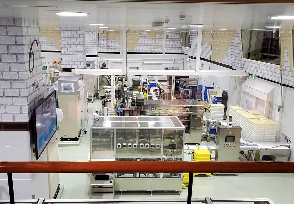チョコトピアファクトリーの工場見学ライン
