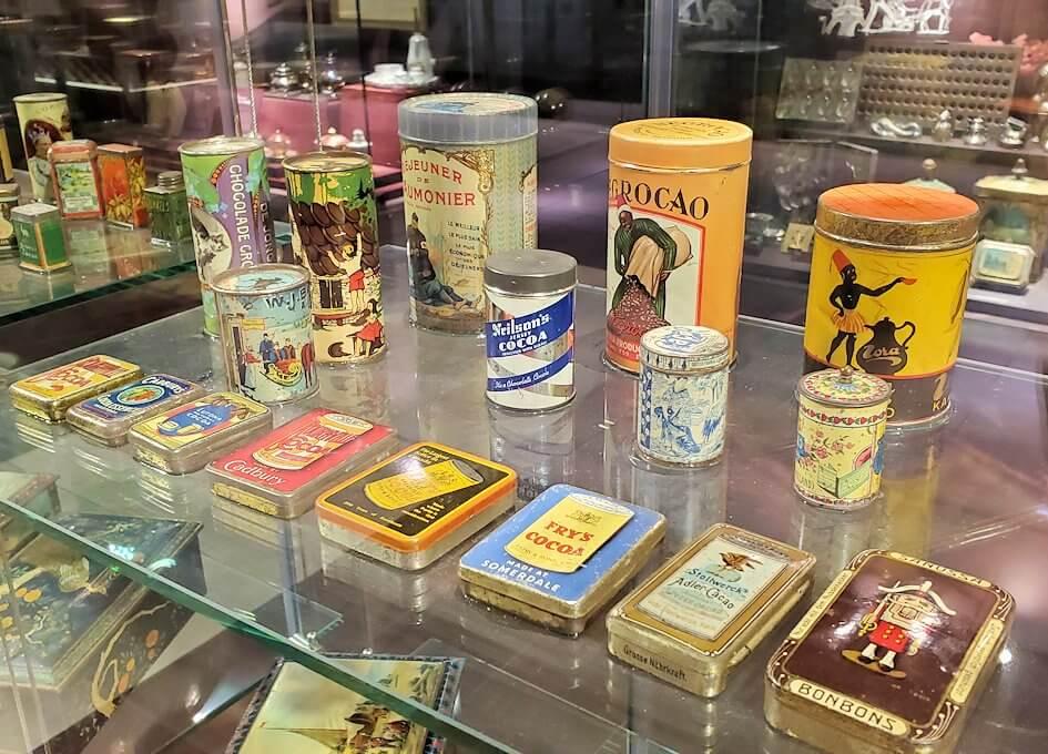 「ロイズチョコレート・ワールド」にある、チョコレート缶2
