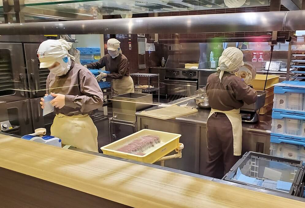 ロイズチョコレートの工場1