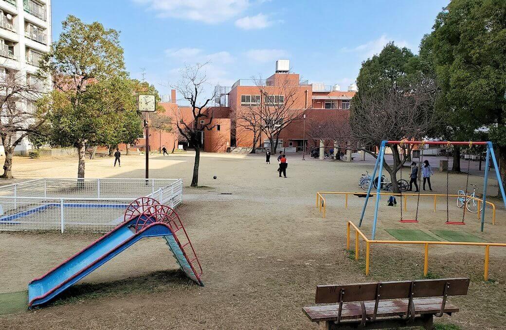 大阪市住吉区にある、摂津酒造跡地の「神の木公園」の景色