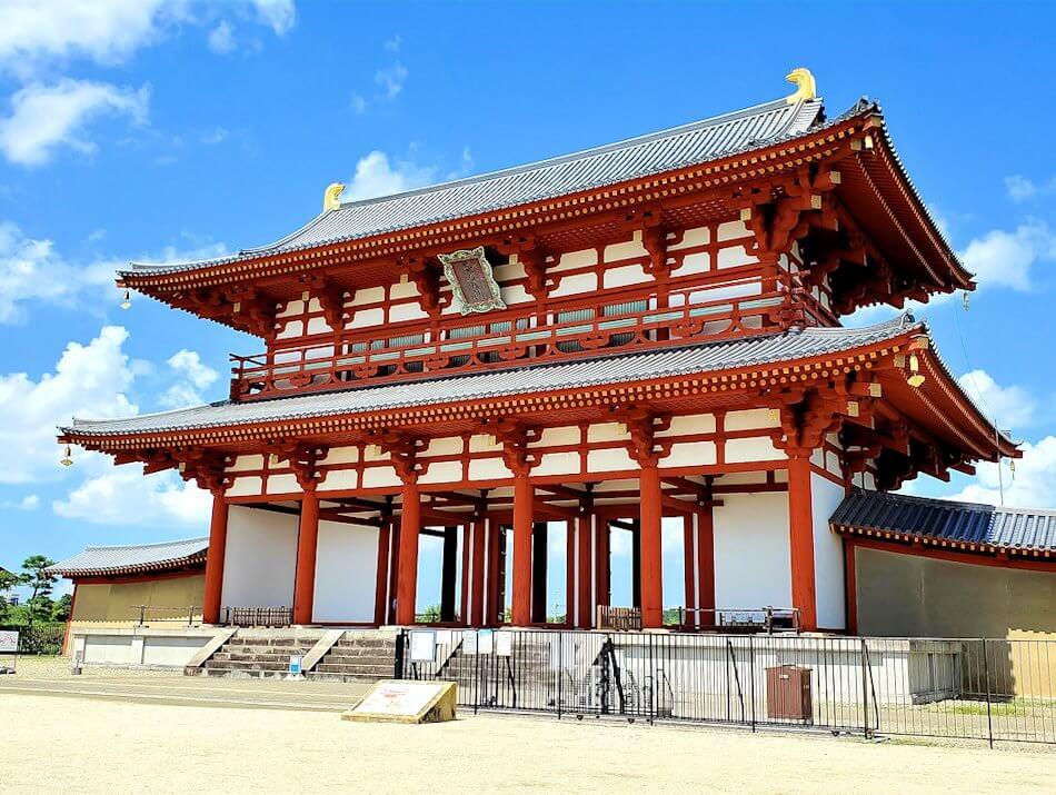 奈良の平城京跡にある朱雀門1