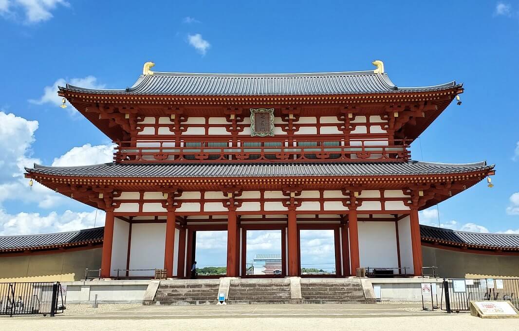 奈良の平城京跡にある朱雀門3