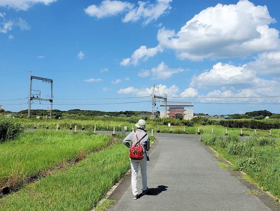 平城京跡を横断する線路