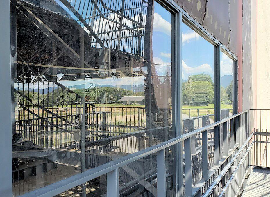 平城京跡に復原中の「第1次大極殿:南門」の見学現場1