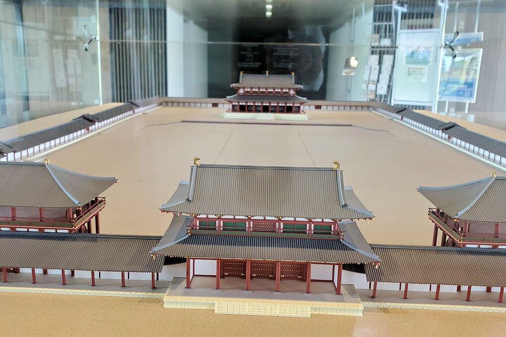 平城京跡の復原事業情報館にある模型