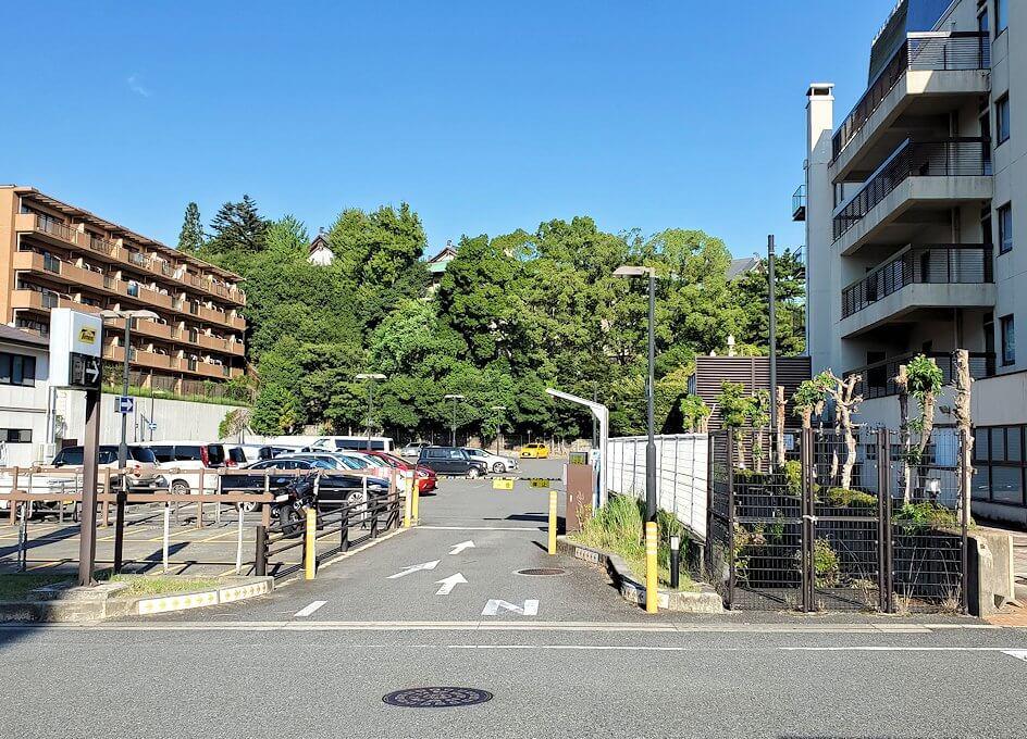 奈良市内で奈良ホテルを目指す