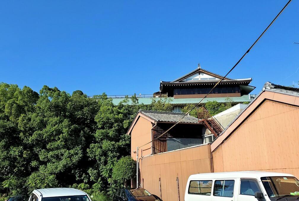 奈良ホテルが見えてくる
