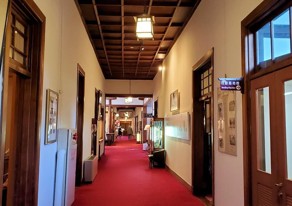 奈良ホテル内の通路