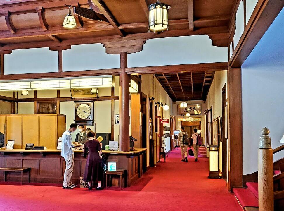 奈良ホテルのロビー