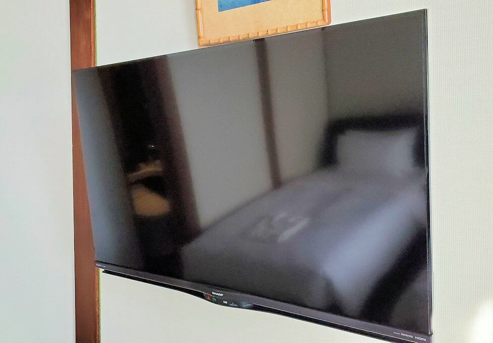 奈良ホテル本館の部屋の薄型テレビ