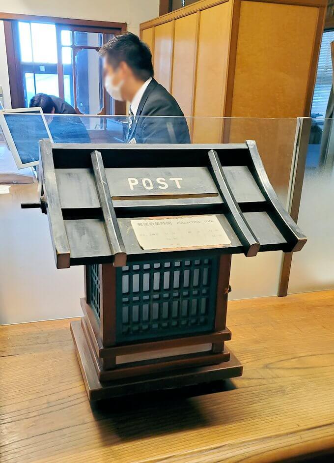 奈良ホテル内のポスト