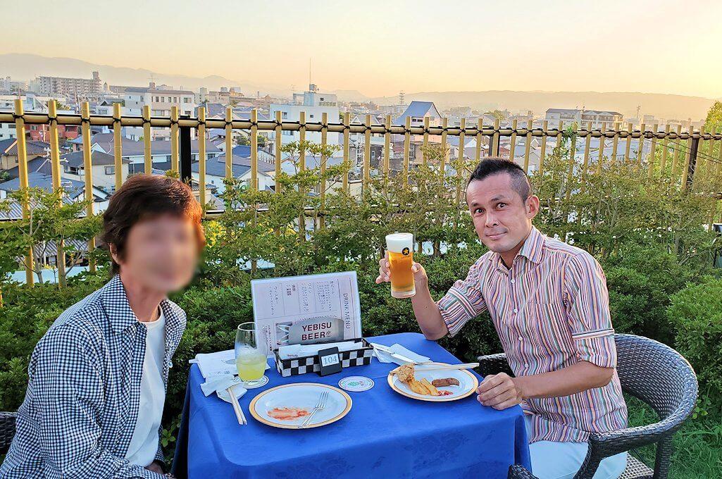 奈良ホテル:ビアテラスで記念写真