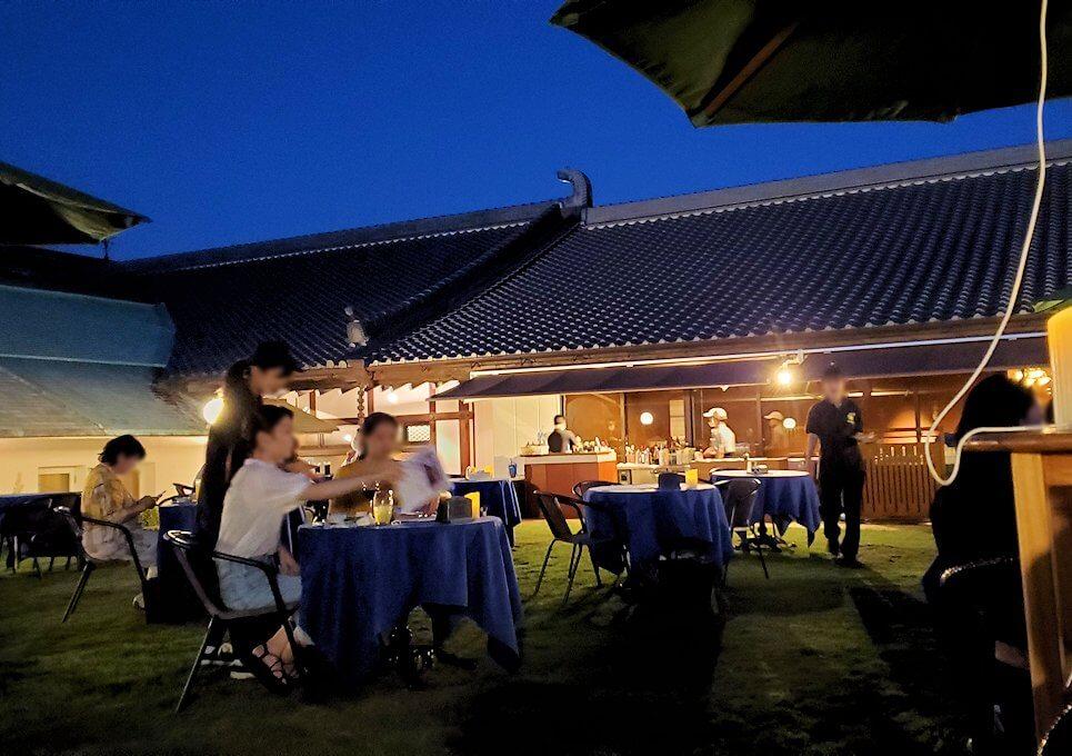 暗くなってきた奈良ホテル:ビアテラス