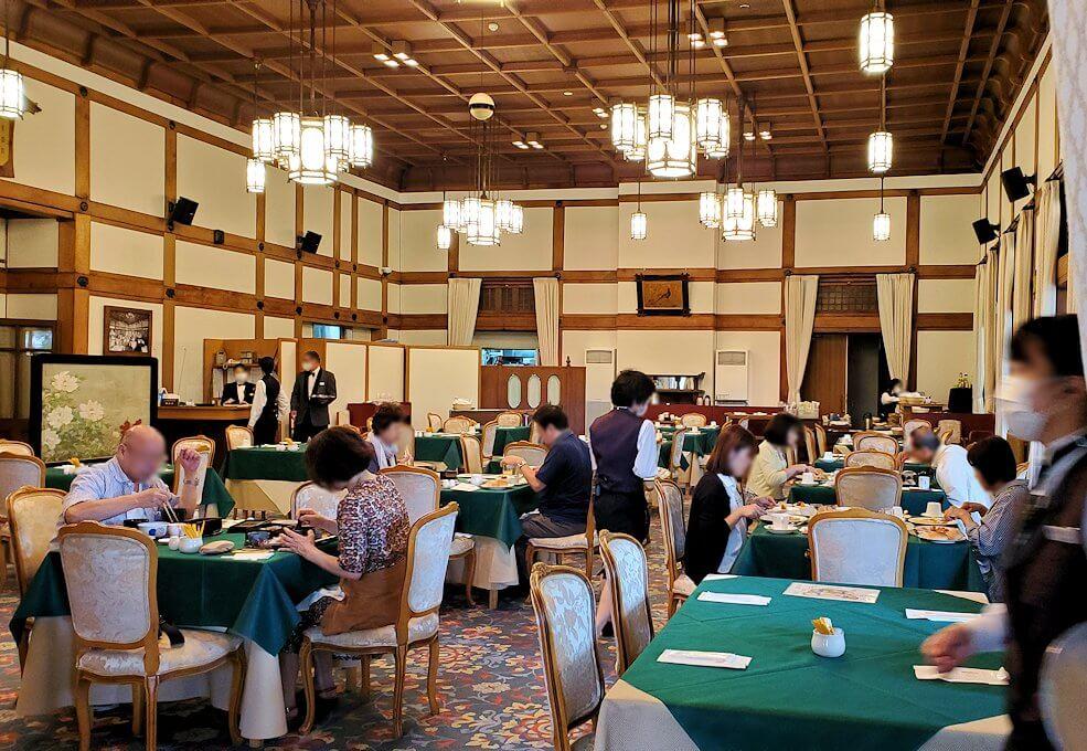 奈良ホテルメインダイニングルーム「三笠」の景観