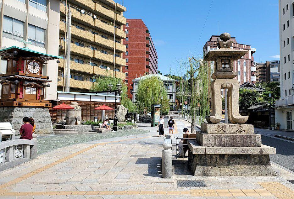 道後温泉正面の広場