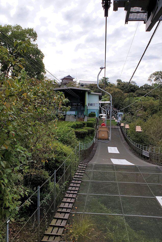 松山城本丸へ昇るリフトからの景色4