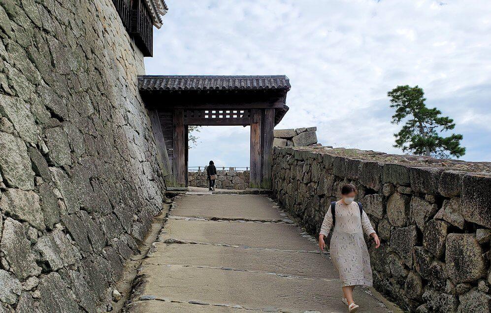 松山城本丸への入口である「一ノ門」