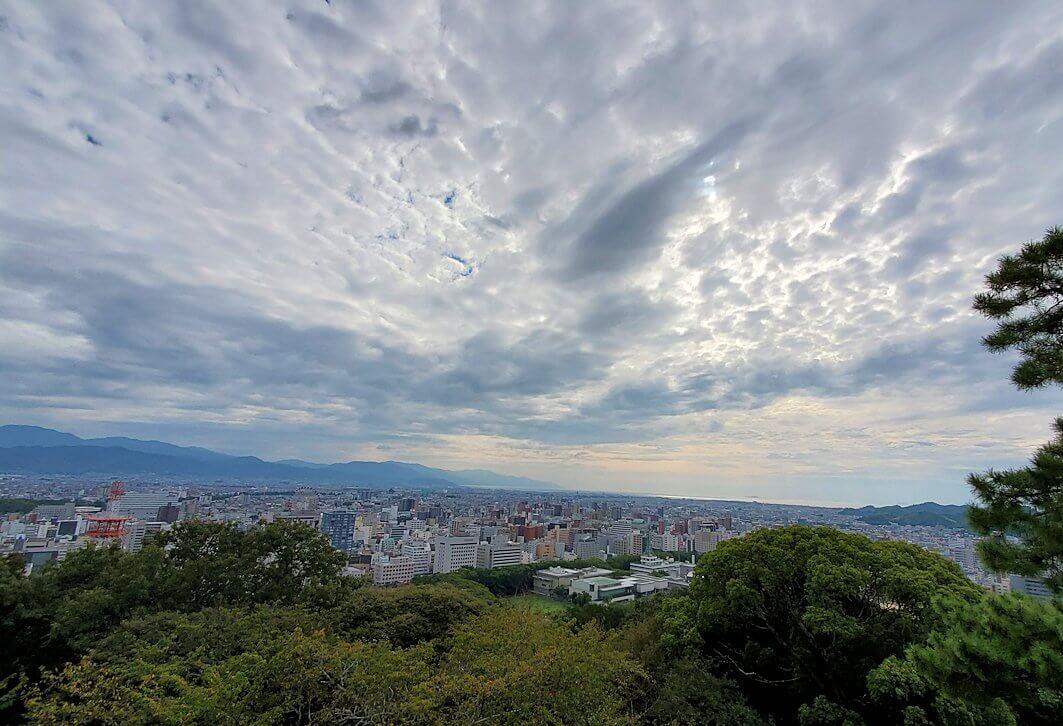 松山城筒井門から見える、市内の景観