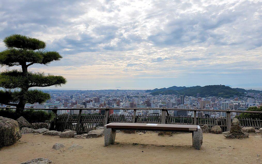 松山城本丸広場からの眺め