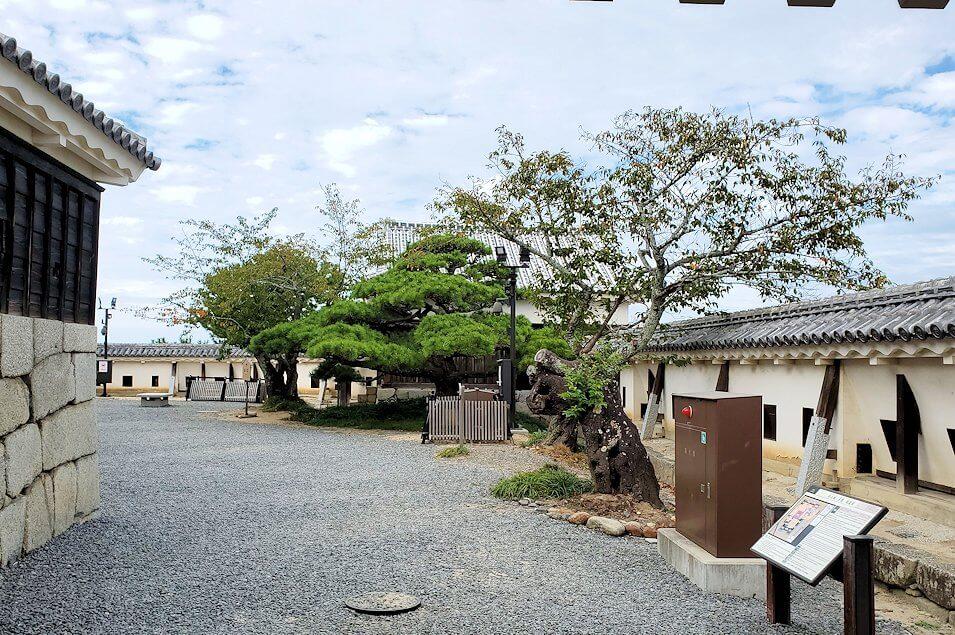 松山城の本壇で「二ノ門」を抜けた景色