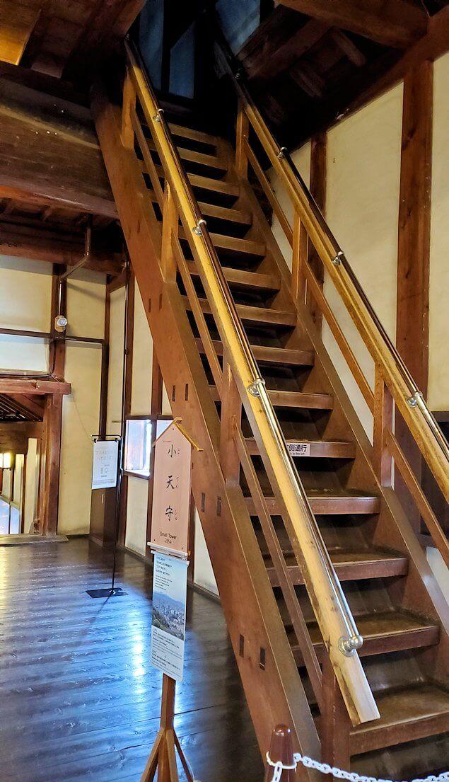 松山城大天守の階段