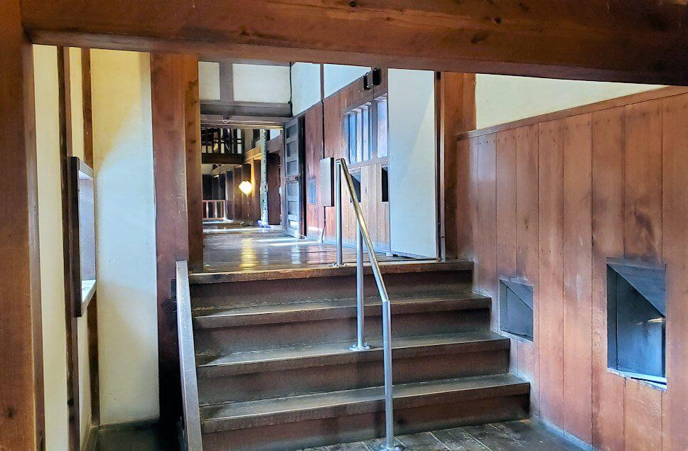 松山城大天守の階段の先