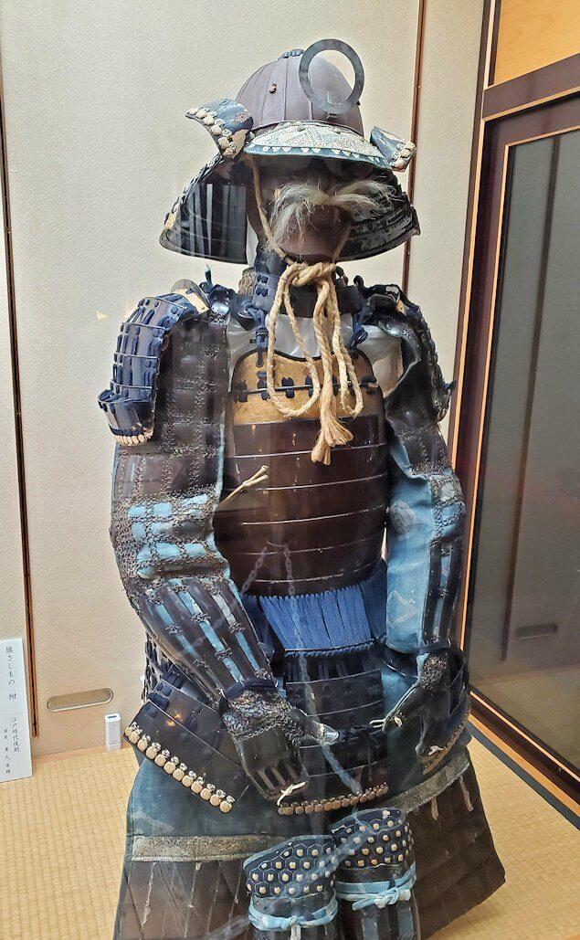 松山城大天守に飾られている鎧兜